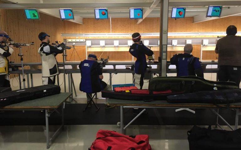 Gewehrschützen auf der 10m Bahn